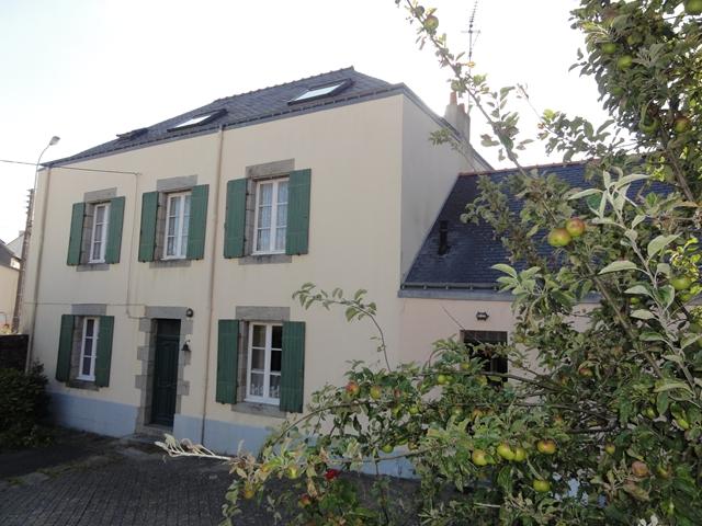 Vente  maison Hennebont - 6 chambres - 212 m²