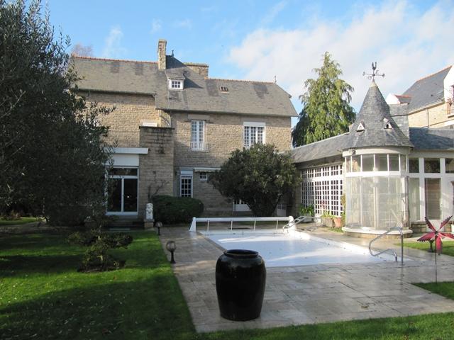 Vente  maison Hennebont - 6 chambres/8 possibles - 227 m²