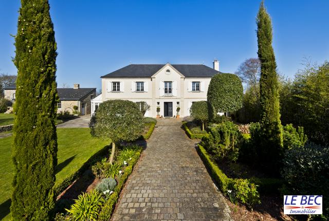 Vente  maison Ploemeur - 4 chambres - 234 m²