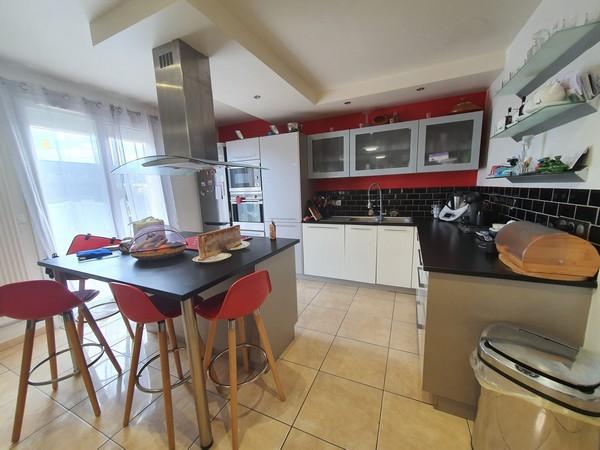 Vente  maison Hennebont - 6 chambres - 135 m²