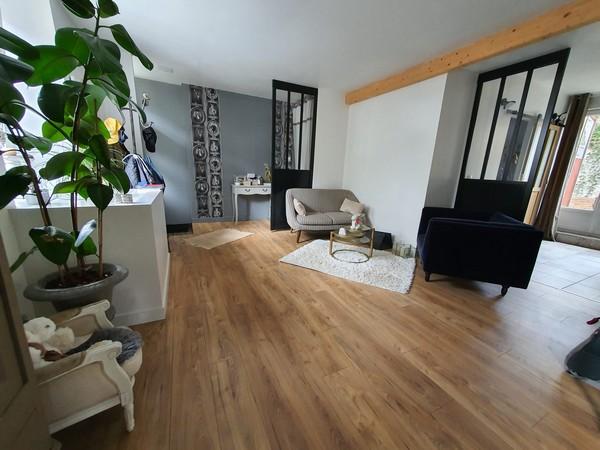 Vente  maison Hennebont - 5 chambres - 244 m²