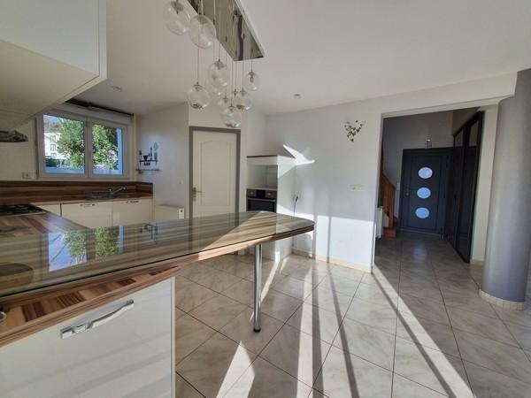 Vente  maison Lanester - 4 chambres - 100 m²