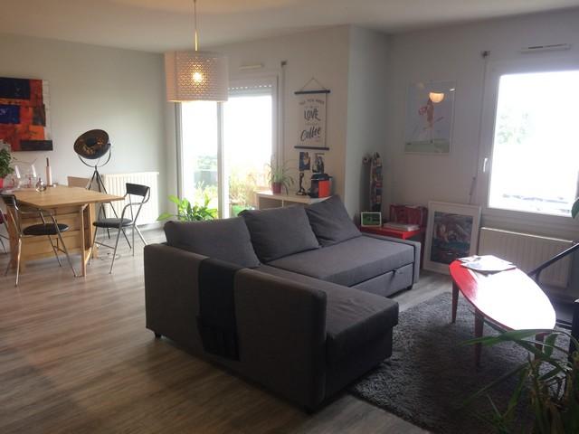 appartement louer vannes ville 2 chambres 68 m2. Black Bedroom Furniture Sets. Home Design Ideas